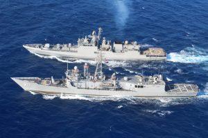البحرية المصرية والهندية تنفذان تدريبا بحريا عابرا بالبحر المتوسط