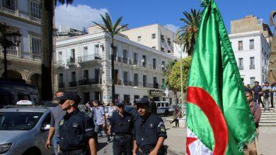 كشفها مخطط لتنفيذ عمل مسلح على أراضيها وتلفزيون الجزائر ينشر اعترافات العناصر إلارهابية